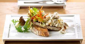 Salat med kylling og mandler