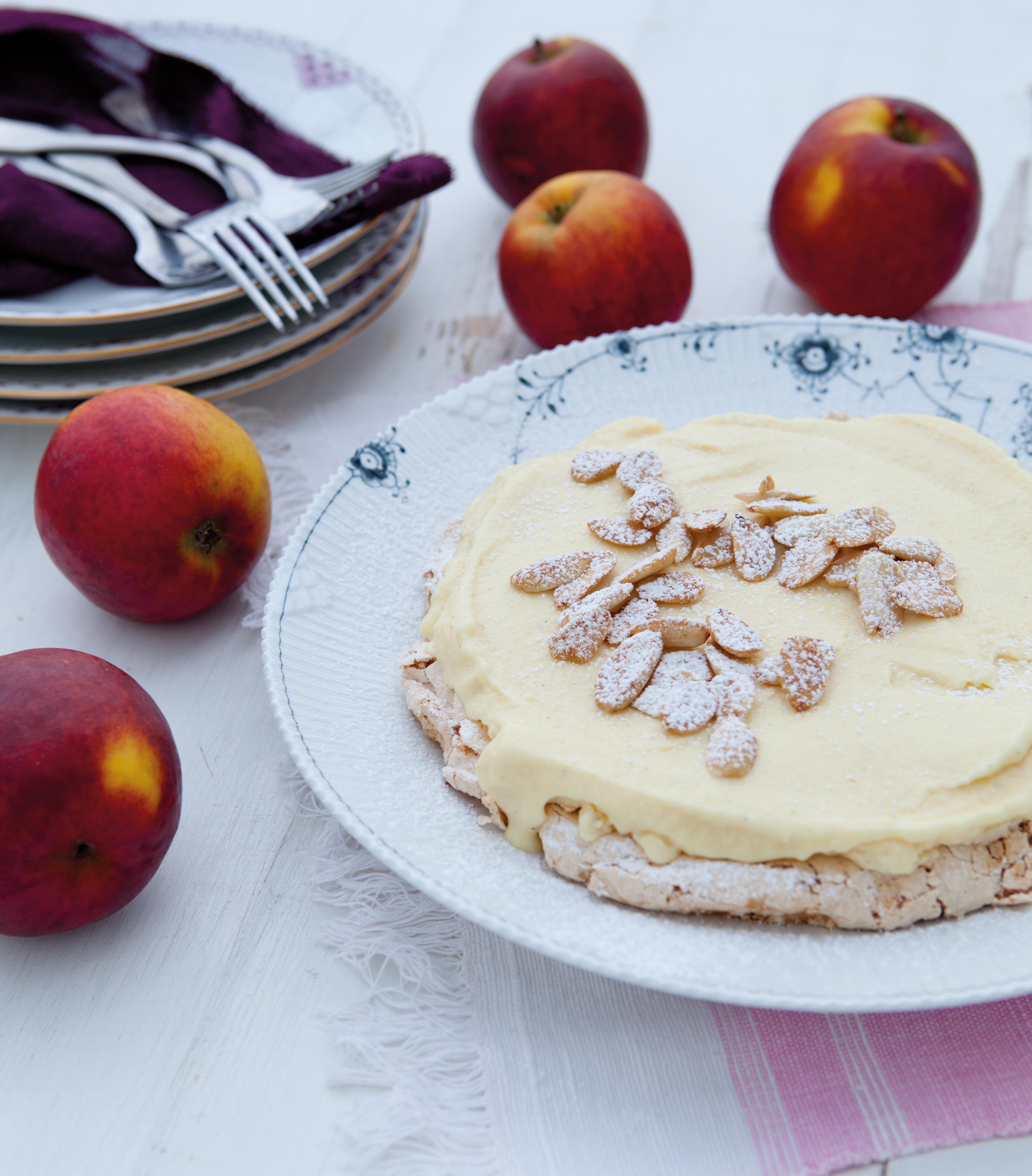 Mandelbund med æbleis