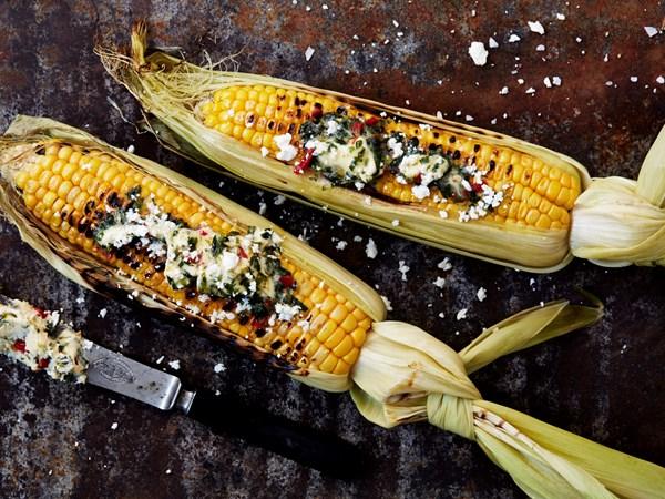 Grillede majs med chilismør