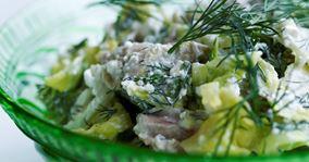 Hønsesalat med spidskål og dild