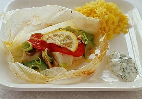 Fiskepakker med fine grøntsager