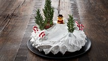 Julechokoladekage med flødebolleskum