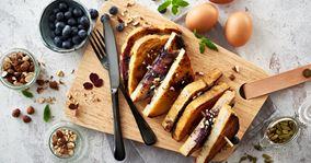 French toast med ost og blåbær