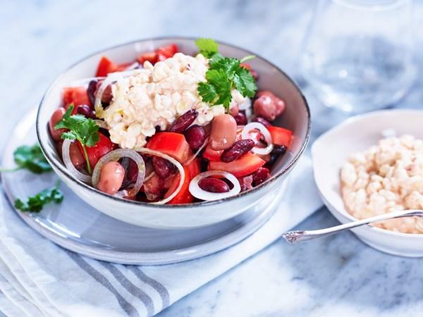 Bønnesalat med tomat