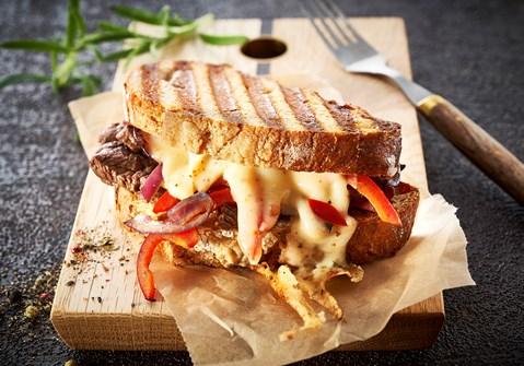 Spicy steak toast