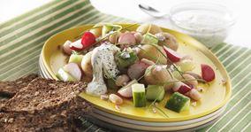 Kartoffelsalat med rygeostcreme