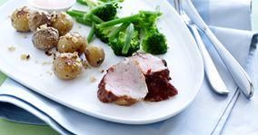 Marineret mørbrad i ovn og stegte kartofler