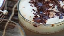 Chilikaffe med cremet mælk