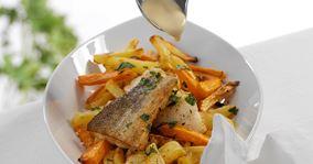Skindstegt torsk med grøntsagsfritter